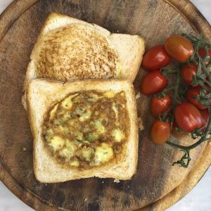 frittata-toast